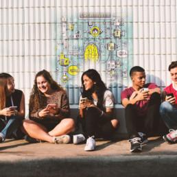 Jugendliche mit Smartphone